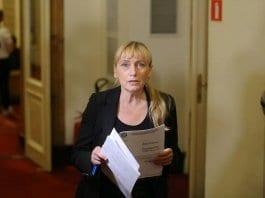 обвинение на Елена Йончева за пране