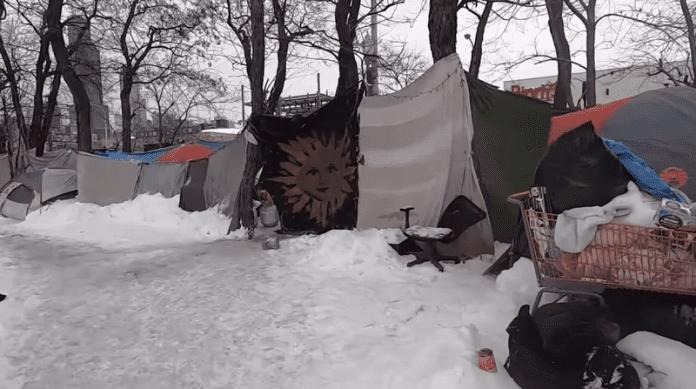 Анонимен дарител спаси 70 бездомници от измръзване