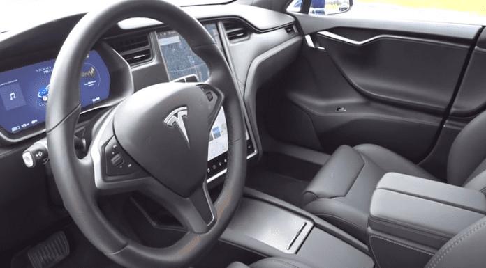"""Колите Tesla сами ще сигнализират на """"Пътна помощ""""?"""