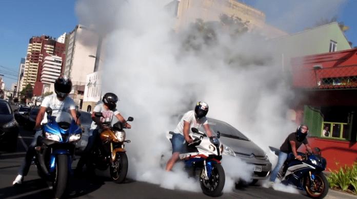 Карането на мотоциклет намалява стреса?