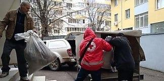 Около два тона дрехи за бездомни хора са събрани по време на благотворителна акция, организирана от Комплексния онкологичен център в Русе