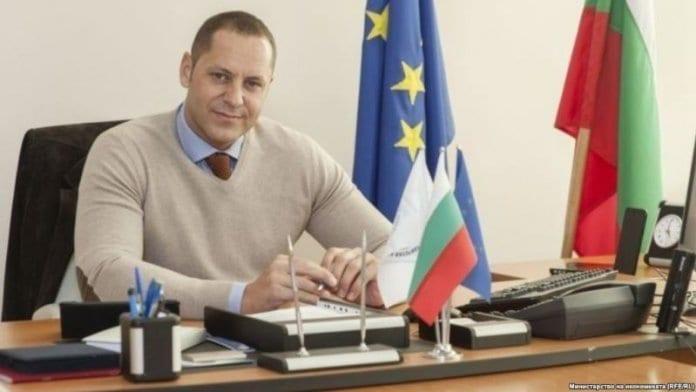 Александър Манолев подаде оставка