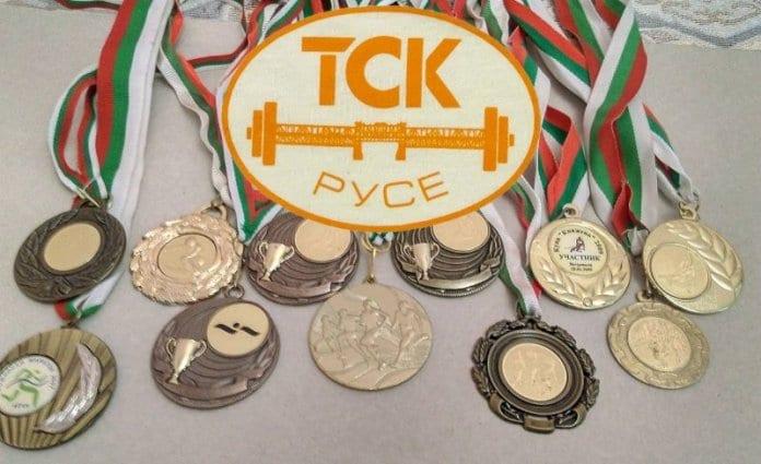60 медала