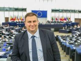Емил Радев е шестия евродепутат