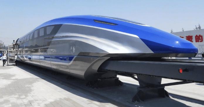 Китай пуска влак, който ще е по-бърз от самолет