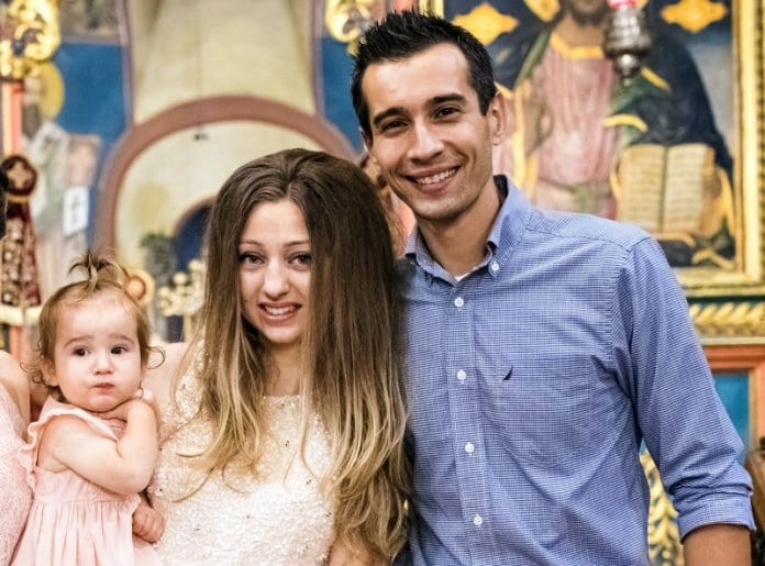 Русенско семейство дари учебни пособия