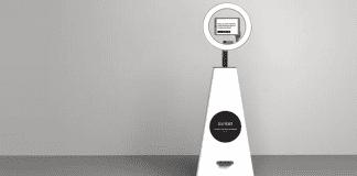 Представиха Селфибот – първия роботизиран фотограф в света