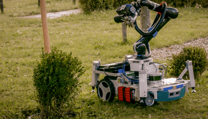 Робот заменя градинарите